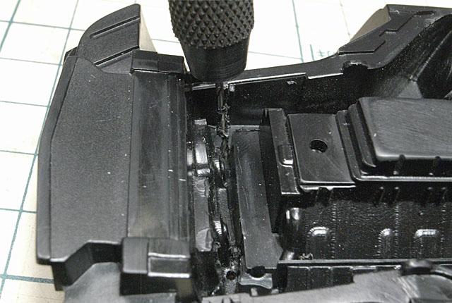 4007 位置確認の孔あけ 640×430