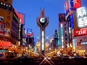 すすきの交差点の時計塔