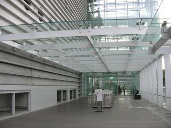 国立新美術館 乃木坂駅