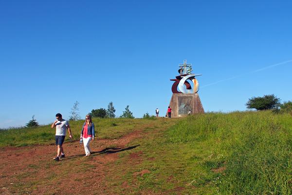 0619サンチアゴ・デ・コンポステーラの巡礼の道 歓喜の丘 スペイン