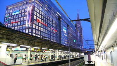 sss新宿駅