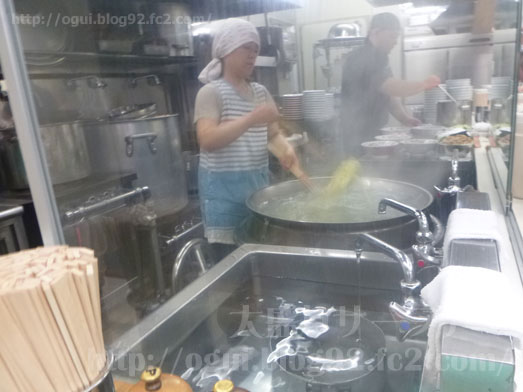 青島食堂秋葉原店長岡ラーメンチャーシュー麺大盛り013