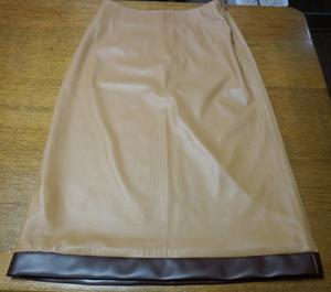 革スカート2