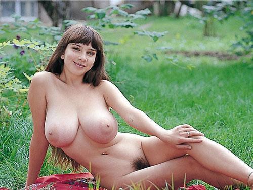 3次元 外国人お姉さんの質量感ある巨乳おっぱい画像 35枚