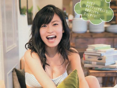 笑顔が眩しい癒し系♪小島瑠璃子(20)の最新グラビア画像×30