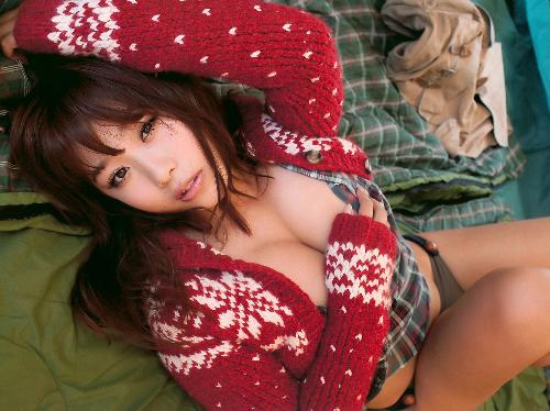 【三次】ぷるぷるおっぱいに包まれたい西田麻衣ちゃんのセクシー画像