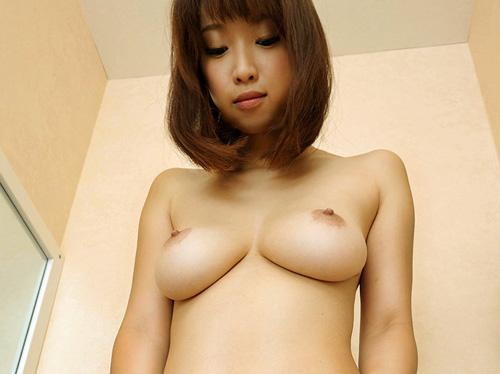 白いYシャツに美女そして美巨乳おっぱい…シコシコ快感どぴゅっ!!!