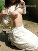 アダルト画像 【露出画像】暖かくなったんで、太陽の下で全裸になる女性が急増中wwww