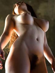 女優の田中麗奈が脱いだ!左右ふぞろいの乳輪オッパイがソソるぜ♪