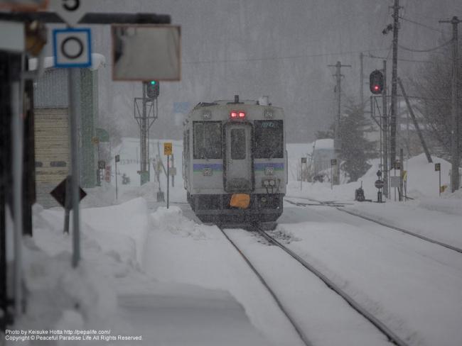 JR富良野線の列車、美瑛駅から撮影