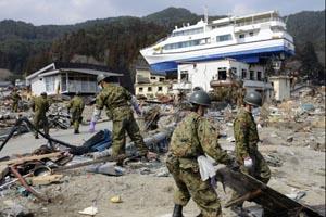 japan-tourism-post-tsunami-2011-08-05.jpg