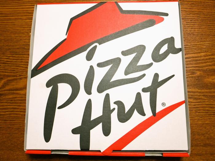 ピザハットのピザ箱