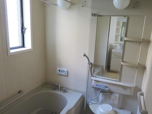 3)お風呂も洗面台も