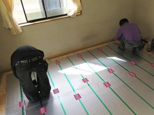 4)床暖房パネル
