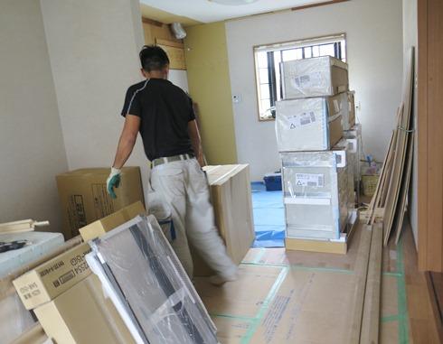 8)吊り戸棚とキャビネットかな