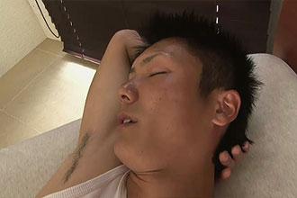 ゲイ動画:薄顔ノンケの微エロ筋ガッツリ掘ります !!