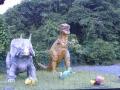 萩本陣の足湯の恐龍