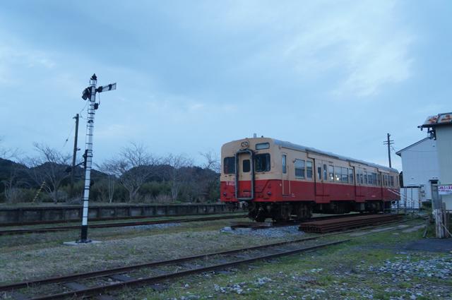 国吉駅のキハ30