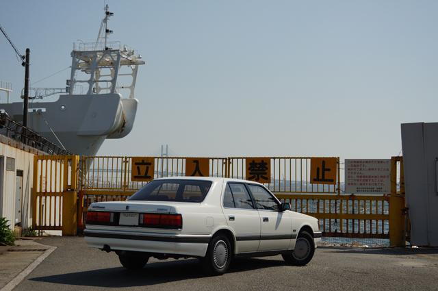 マツダV6ルーチェと横浜港