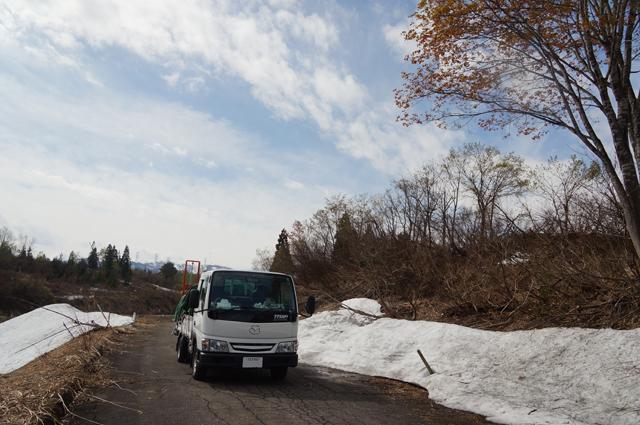 マツダ タイタン ダッシュ と残雪