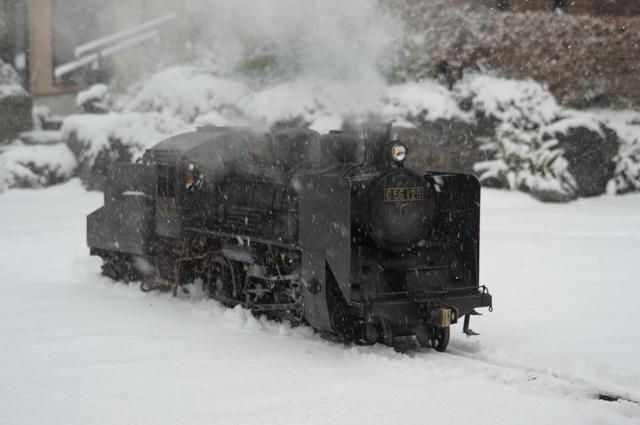C56 129 雪景色の中