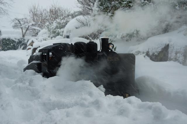 C56 129 豪雪の中
