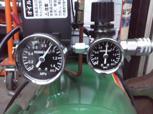0.8MPa・8kgf/cm^2が安定して取り出せるコンプレッサSK-11 AB20-30