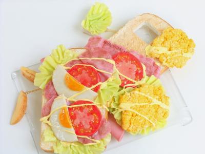 NHK WORLD オープンサンドイッチ