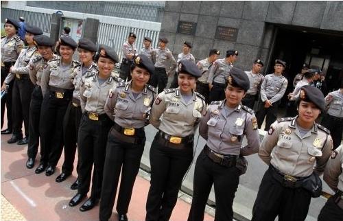 女性警官隊