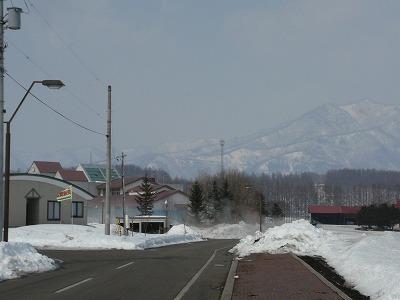 山も霞んでいます。