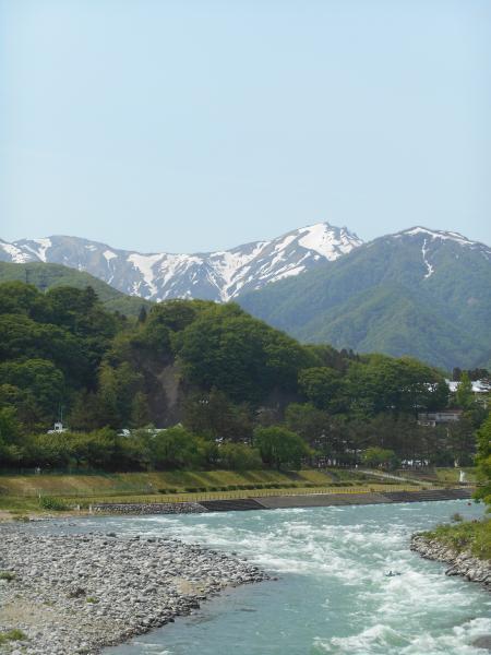 谷川岳と利根川