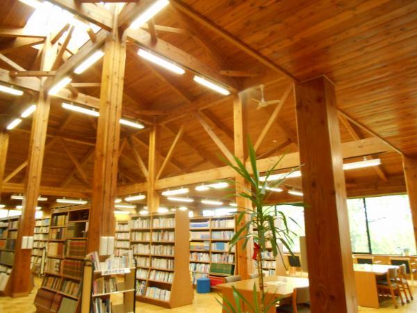 浅科図書館1