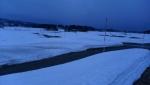 残雪の中をジョギング