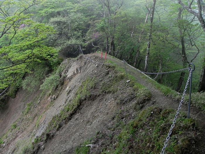 A032-23山道