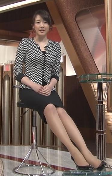 大島由香里 体のラインが分かるタイトスーツキャプ・エロ画像5