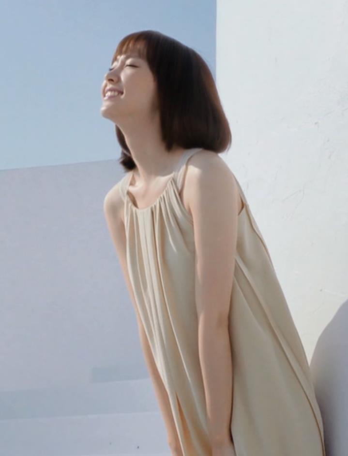 新垣結衣 シャンプーCMキャプ・エロ画像4