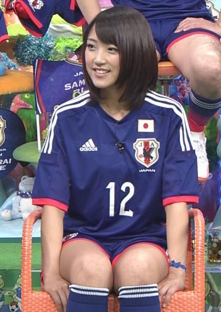 竹内由恵 太ももキャプ・エロ画像