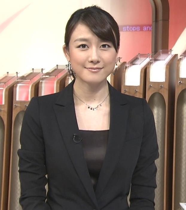 大島由香里 タイトスカートキャプ・エロ画像3