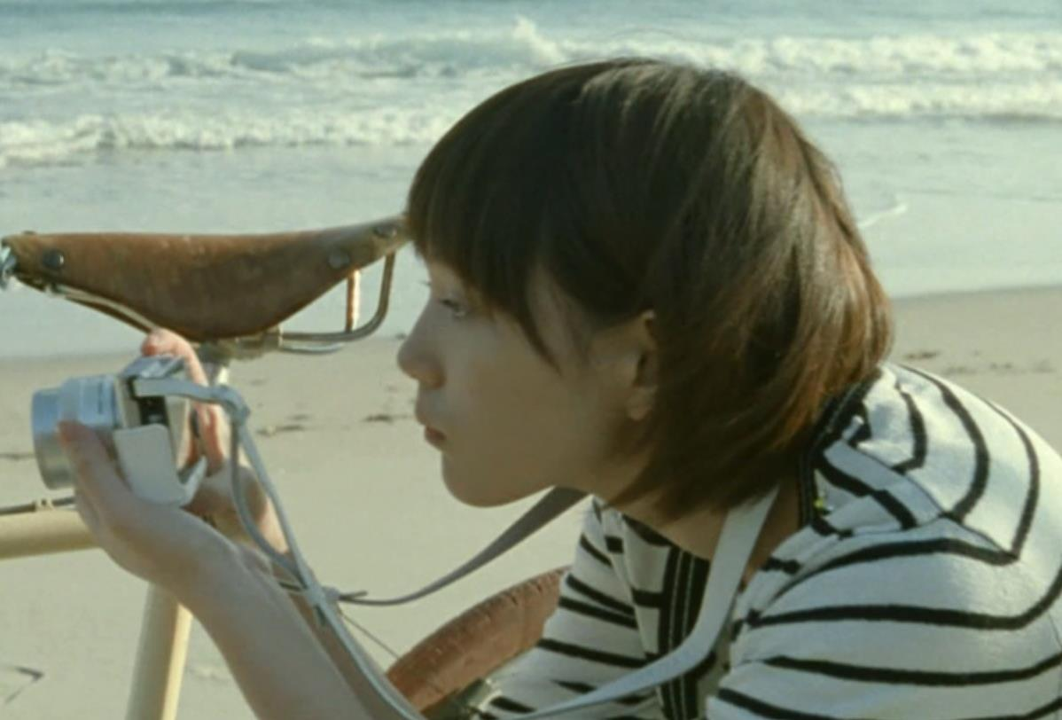 本田翼 カメラのCMがかわいいキャプ・エロ画像