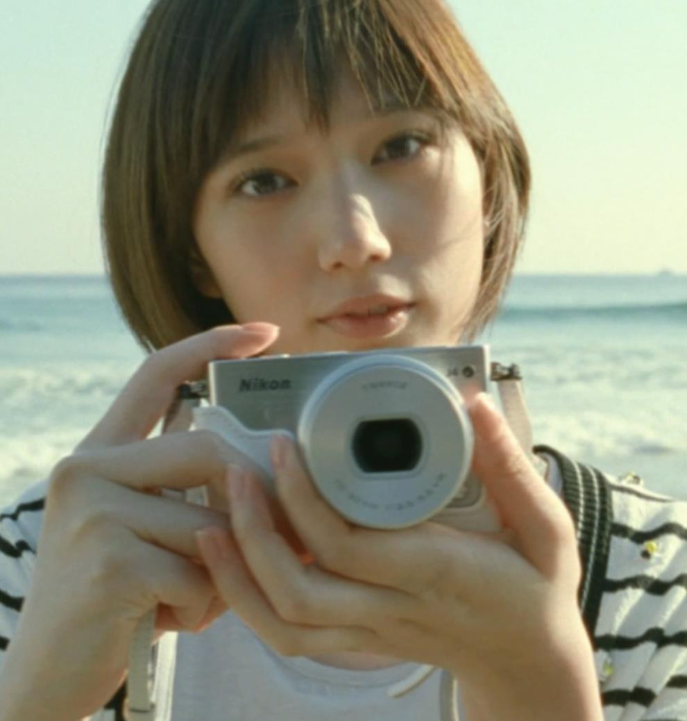 本田翼 カメラのCMがかわいいキャプ・エロ画像4