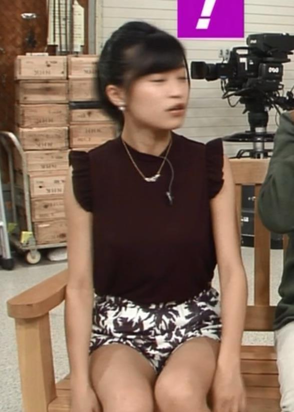 小島瑠璃子 太ももキャプ・エロ画像2