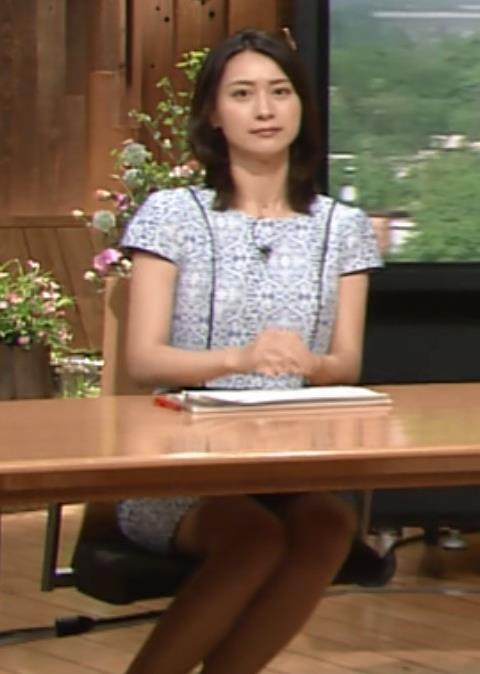 小川彩佳 太ももキャプ・エロ画像