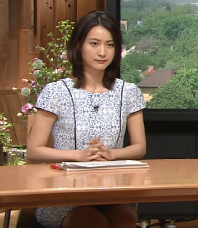 小川彩佳 太ももキャプ・エロ画像2
