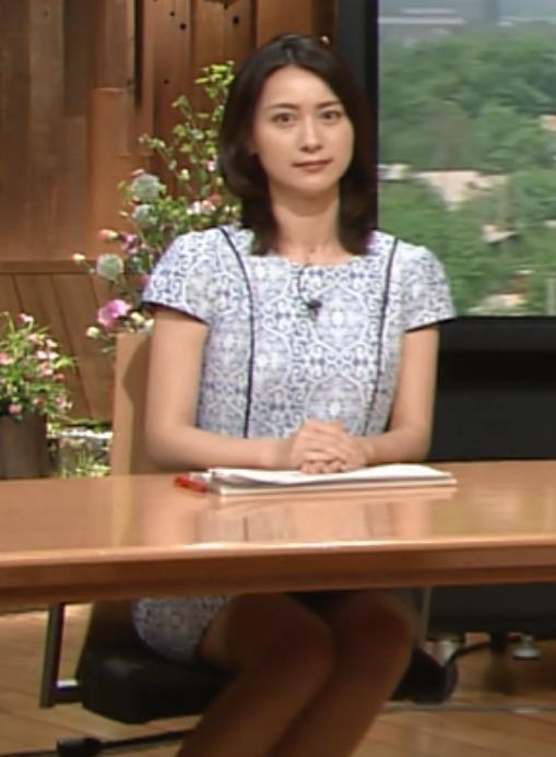 小川彩佳 太ももキャプ・エロ画像3