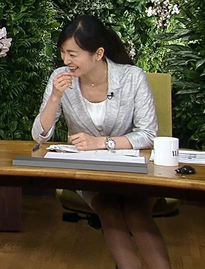 大江麻理子 美脚キャプ・エロ画像4