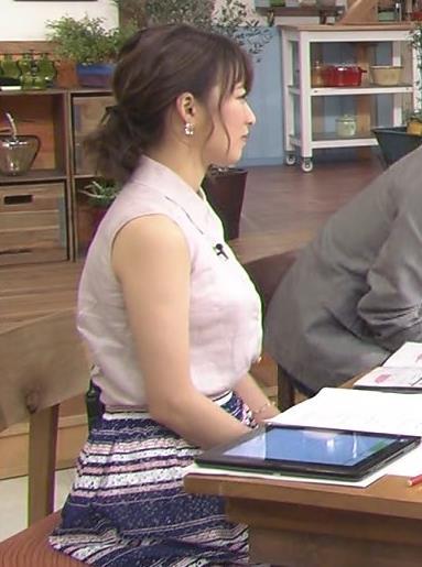 枡田絵理奈 ノースリーブ横乳(おっぱいでか過ぎ!)