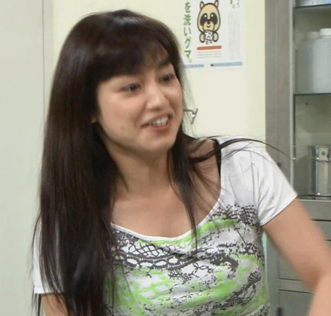 平愛梨 横乳キャプ・エロ画像12