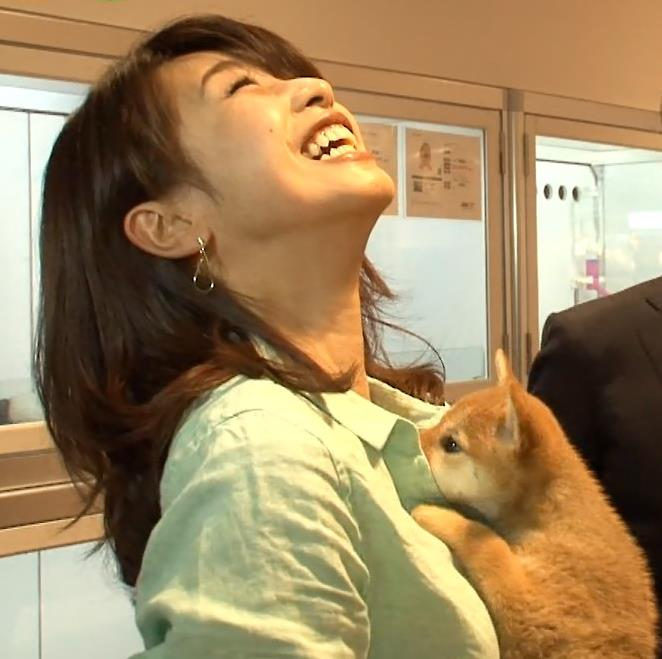 加藤綾子 キス&抱きつきキャプ・エロ画像2