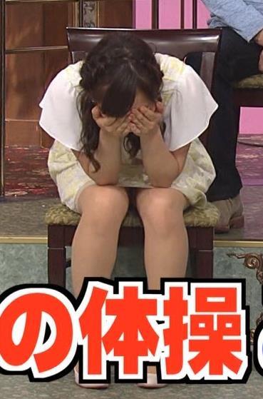 水卜麻美 ミニスカートキャプ・エロ画像3