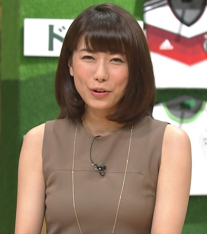 青山愛 ぴったりした服キャプ・エロ画像
